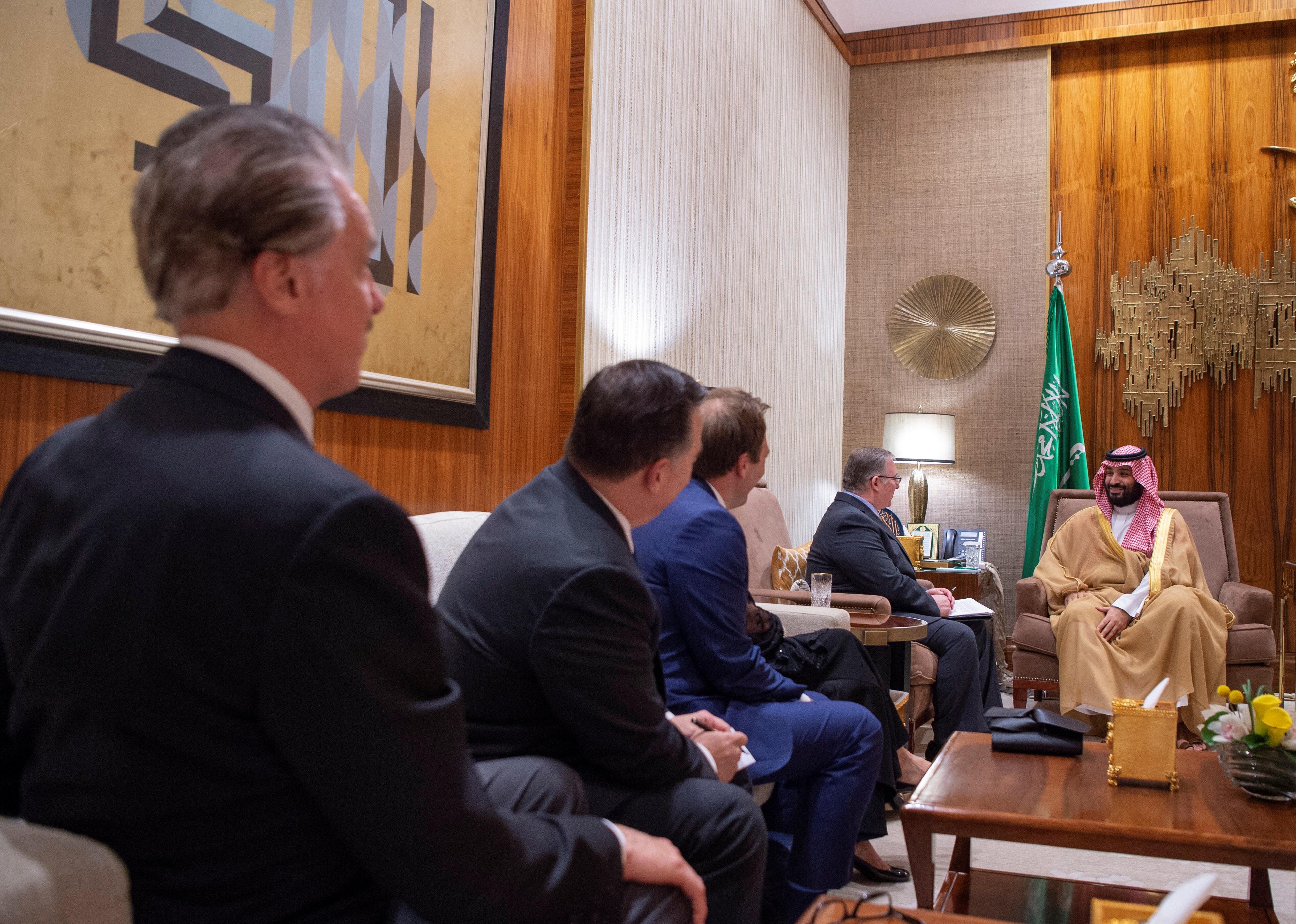 Saudi Crown Prince Mohammed bin Salmanin meets with the delegation of American Evangelical Christian Leaders in Riyadh, Saudi Arabia November 1, 2018. Bandar Algaloud/Courtesy of Saudi Royal Court/Handout via REUTERS